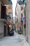 Les rues merveilleuses de la belle ville de Tropea Photo libre de droits