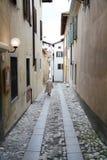 Les rues moins ont voyagé dans Cividale, Italie photos stock