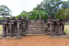 Les ruines antiques d'un temple historique de Khmer dans le compl de temple Photos libres de droits