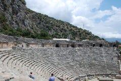 Les ruines d'un amphithéâtre d'une ville antique en Turquie près d'Antalya images libres de droits