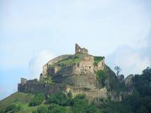 Les ruines d'une forteresse médiévale image stock