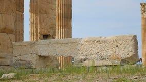 Les ruines du palais antique d'empire romain, en pierre énorme reste, les colonnes de marbre grandes clips vidéos