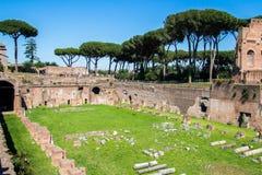 Les ruines du stade sur la colline de Palatine à Rome, Italie photographie stock