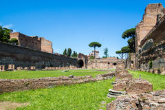 Les ruines du stade sur la colline de Palatine à Rome, Italie photo libre de droits