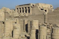 Les ruines du temple de la déesse de l'amour dans Dendera Photographie stock libre de droits