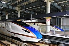 Les séries E7 shinkansen le train de balle à grande vitesse Images stock