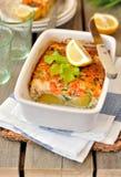 Les saumons et le chou de bruxelles font cuire au four Photo stock