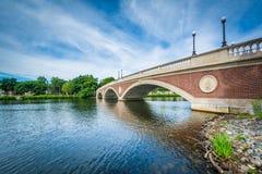 Les semaines pont et Charles River de John W à Cambridge, Massachu image libre de droits