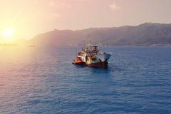 Les Seychelles tropicales Bateaux sur l'île Mahe Images stock