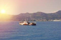 Les Seychelles tropicales Bateaux sur l'île Mahe Photos libres de droits