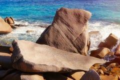 Les Seychelles tropicales Palmiers sur la La Digue Photos libres de droits