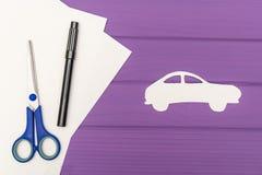 Les silhouettes coupées du papier de la voiture Photo libre de droits