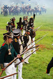 Les soldats russes d'armée chez Borodino luttent la reconstitution historique en Russie Photo libre de droits