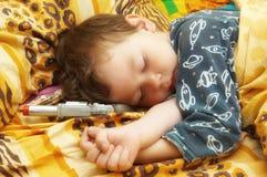 Les sommeils d'enfant Photos libres de droits