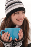 Les sourires et la fixation de fille par cuvette Photographie stock