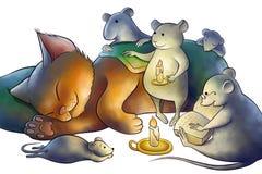 Les souris ont lu un livre à un chaton la nuit Photo libre de droits