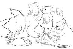 Les souris ont lu un livre à un chaton la nuit Photos libres de droits