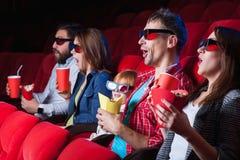 Les spectateurs dans le cinéma Photos libres de droits
