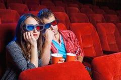 Les spectateurs dans le cinéma Photographie stock libre de droits