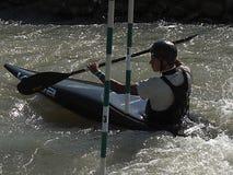 Les sports de Transporter par radeau-kayak est l'un des sports collectifs de faune les plus attrayants image stock
