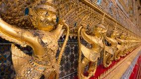 Les statues du serpent de lutte de naga de Krut Image stock