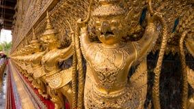 Les statues du serpent de lutte de naga de Krut Images stock