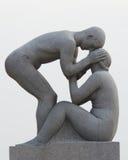 Les statues en stationnement de Vigeland à Oslo, stationnement de Norway Image libre de droits