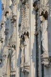 Les statues sur la façade de la ville hôtel sur le Burg ajustent à Bruges photo libre de droits