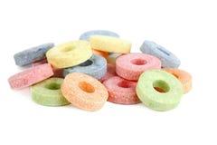 les sucreries ont isolé le blanc multicolore de vitamine Images libres de droits