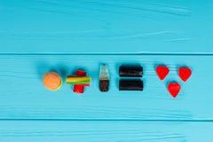 Les sucreries savoureuses de gelée représentent sous forme d'hamburger et de boisson Photos libres de droits