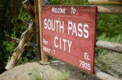 Les sud passent cité le site historique dans le signe bienvenu du Wyoming photographie stock libre de droits