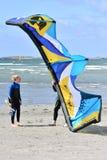 Les surfers de cerf-volant apprennent au cerf-volant Photos stock