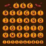 Les symboles des textes d'alphabet de police de potiron de Halloween dirigent l'illustration illustration stock