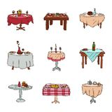 Les tables de salle à manger dans le dîner réglé de déjeuner de vecteur de restaurant datent en café avec des verres de nourritur Photographie stock