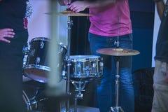 Les tambours au concert vivant Images libres de droits
