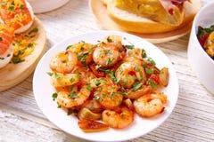 Les Tapas se mélangent et la nourriture de pinchos des pintxos de recettes de l'Espagne également Image stock