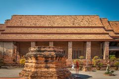 Les temples bouddhistes d'histoire antique et longue images libres de droits