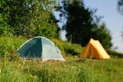Les tentes jaunes et bleues Images libres de droits