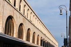 Les terminus postent, des arcades Photographie stock