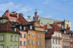 Les toits de vieilles maisons à Varsovie Images libres de droits