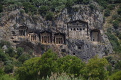 Les tombeaux de Lycian s'approchent de Dalyan, Turquie Photographie stock