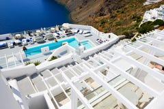 Les touristes appréciant leurs vacances à l'hôtel de luxe photographie stock libre de droits