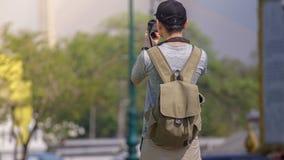 Les touristes asiatiques enregistrent la mémoire image stock