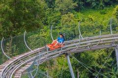 Les touristes chinois ont l'amusement dans le parc d'aventure au mearim chaing Photos libres de droits