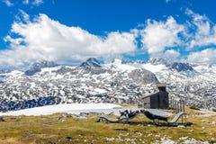 Les touristes détendent sur la montagne Photos stock