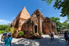 Les tours de PoNagar près de Nha Trang au Vietnam photographie stock libre de droits