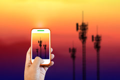 Les tours de téléphone portable tirent Images stock