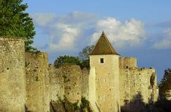 Les tours et les remparts médiévaux photo libre de droits