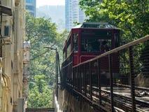 Les tours maximaux de tram à la plate-forme de visionnement chez Victoria Peak images stock
