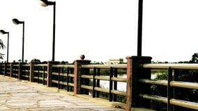 Les traînées dans la perspective entourent la côte de la rivière du Paraguay Images stock